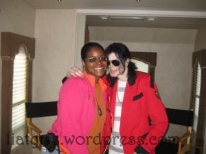 2009-Michael-Jackson-michael-jackson-30816378-604-453