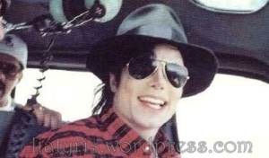 beautiful-Michael-3-michael-jackson-11455220-421-248