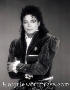 Bobby-Holland-Photoshoot-1989-michael-jackson-32532565-387-500