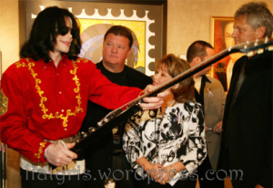 Eine-von-Michael-Jackson-handsignierte-Gitarre_charity_406_280
