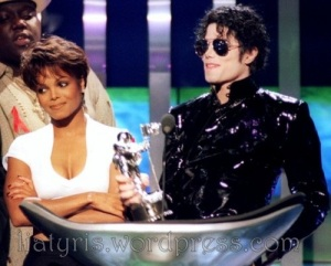 janet-jackson-bet-awards-2009-500x402