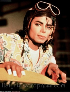 Leave-Me-Alone-michael-jackson-11204487-900-1189