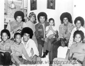 the-jackson-family-foreverajackson-27759525-450-347