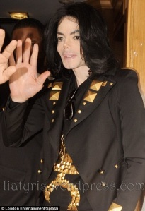 What-s-Up-Mike-michael-jackson-2002-2009-24419447-468-683