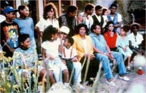 The-Jackson-family-prince-michael-jackson-16252781-917-588